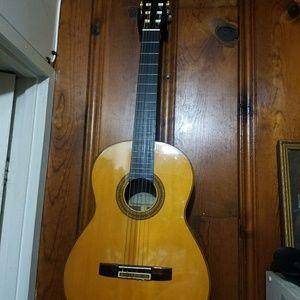 Yamaha guitar cg-180 sa
